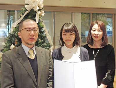 (左から)舛谷教授、中島さん、抜井先生
