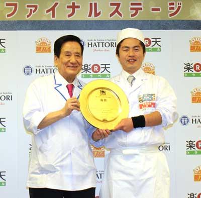神田川俊郎氏(左)と萬国屋の大滝氏