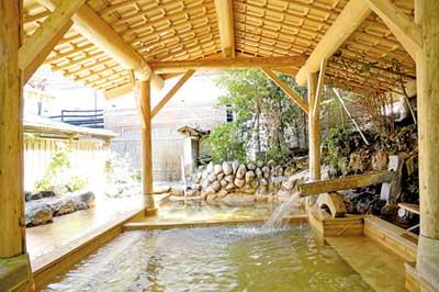早雲閣の大浴場「結の湯」露天風呂