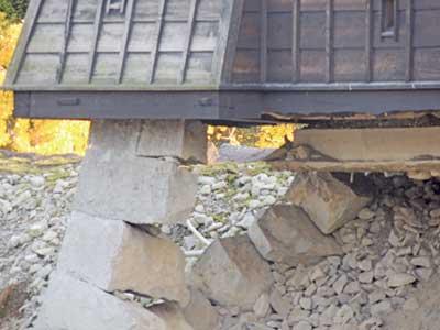 石垣内部の構造もよく見ることができる